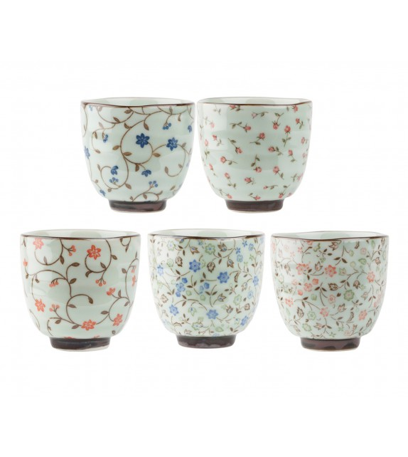 Set of 5 tea cups