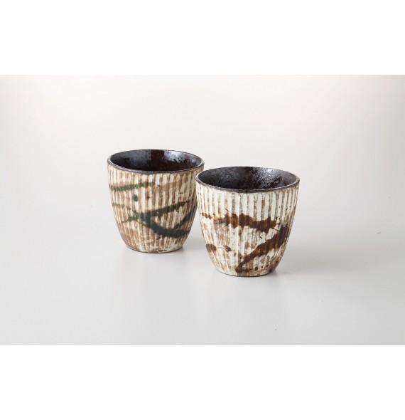 Duo de tasses traditionnels